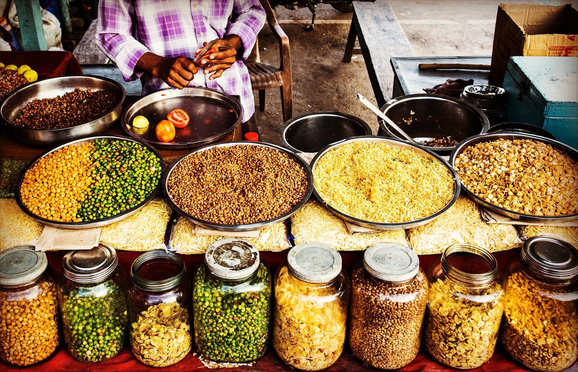 7 Most Delicious Street Food To Try In Kolkata