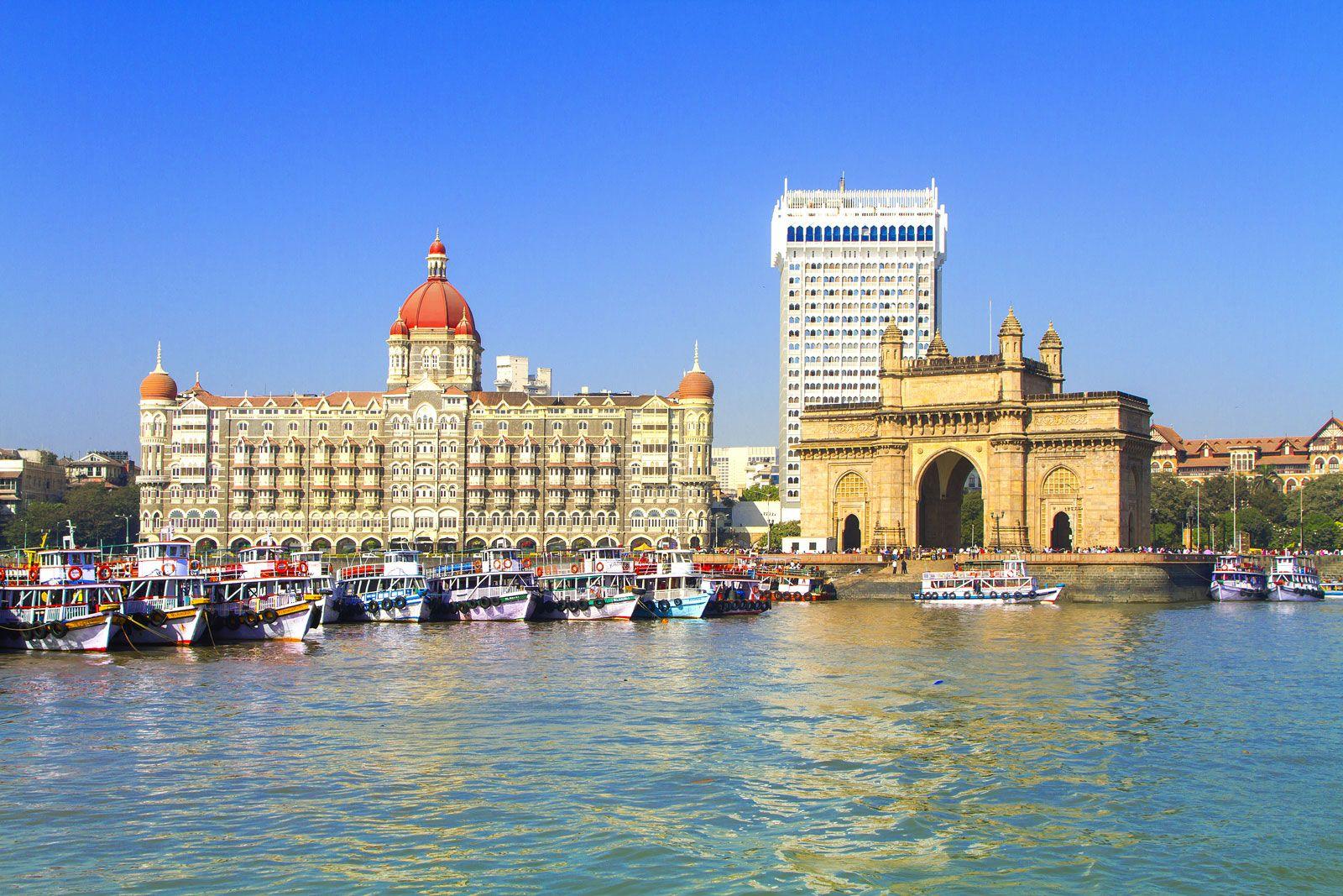 Roam Around the Top 7 Historical Monuments of Mumbai