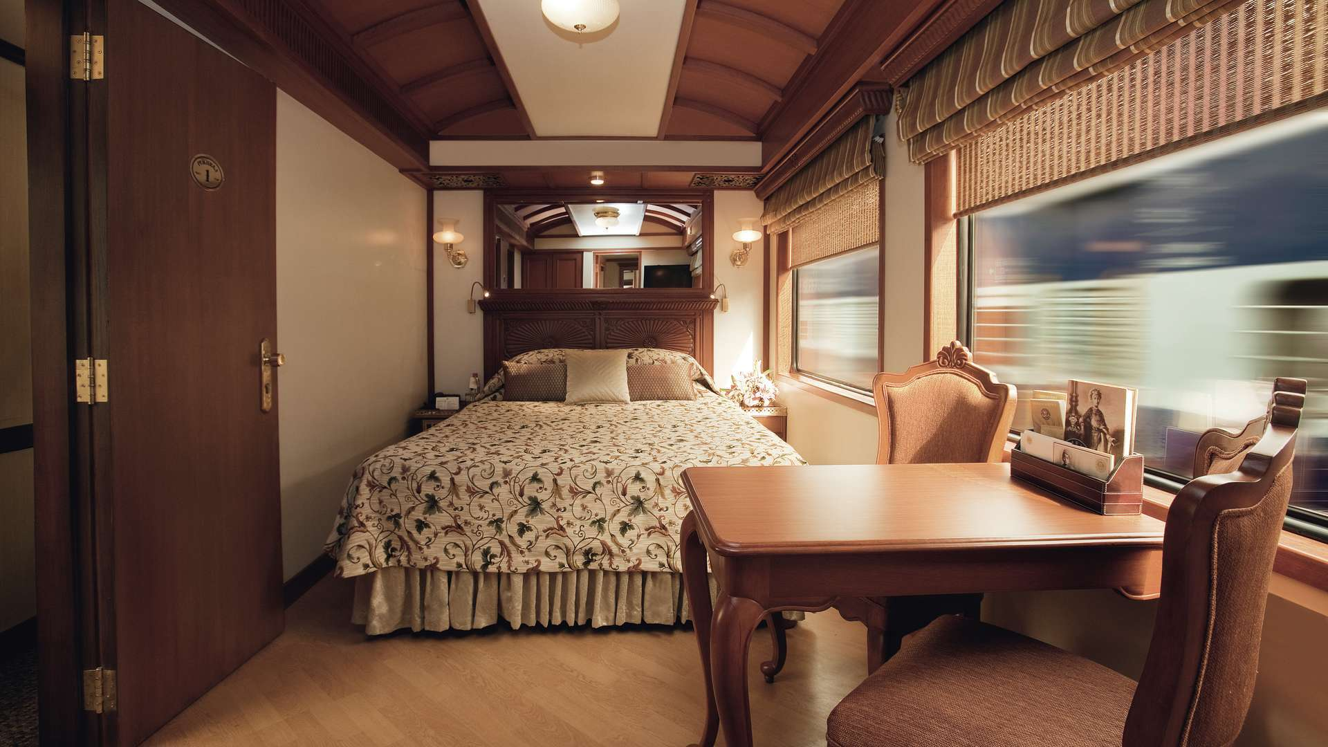 Live Your 'Orient Express' Dreams On These 7 Indian Luxury Trains