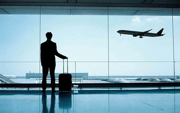 8 ways to travel all around even when work calls!