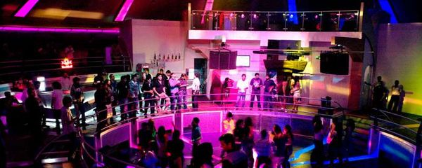 Unwind yourself at the best party hubs in Pune!