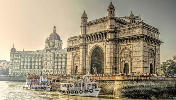 10 reasons why Mumbai is the city of your Bollywood dreams
