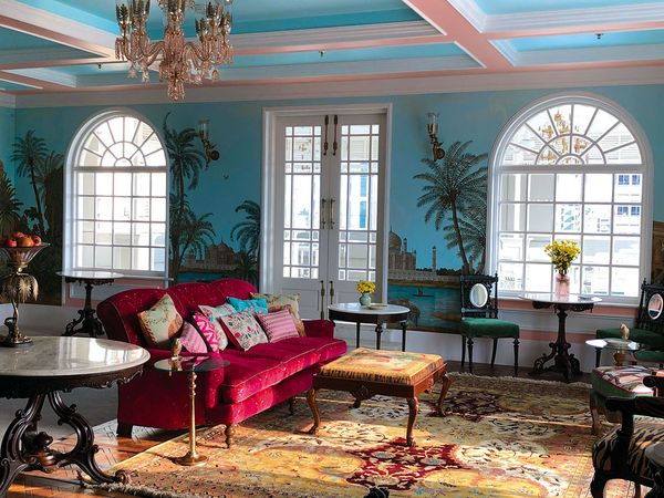 Booking Hotels In Kolkata? Here are 5 Unique Places You'll love staying At