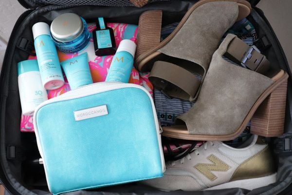 10 must-have beauty products for females while traveling