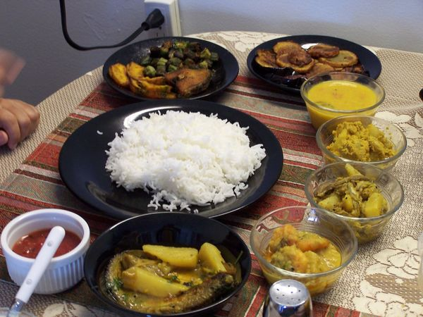 8 best places in Kolkata to try the authentic Bengali Thali/Platter
