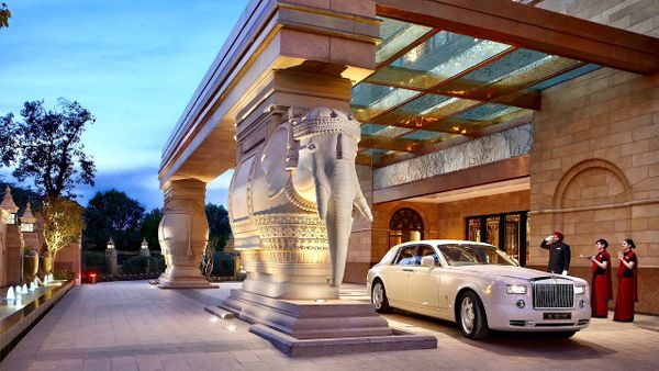 Trending Couple Friendly Hotels in Delhi for a Short Stay